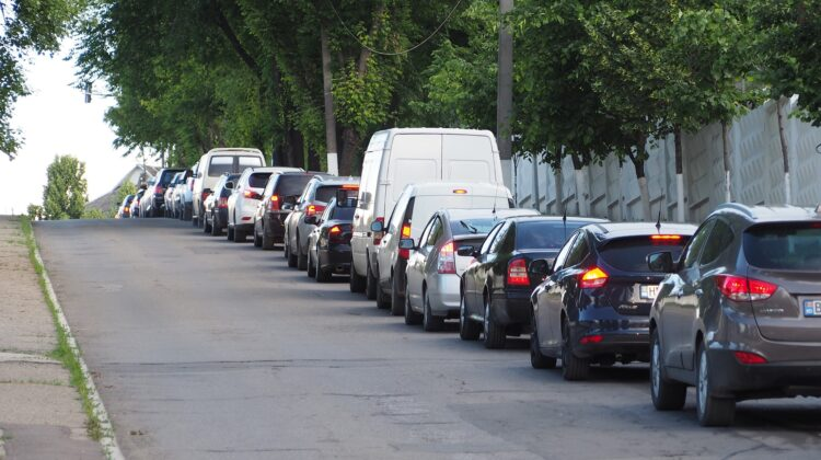 Sătui până peste cap de ambuteiajele din oraș? La Buiucani se organizează un marș al automobiliștilor