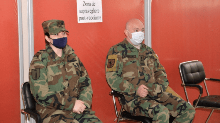 (FOTO) Aproximativ 400 de militari moldoveni au fost vaccinați împotriva COVID-19