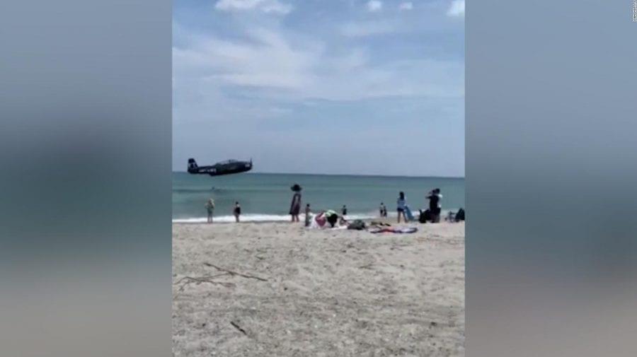 (VIDEO) Aterizare forțată pe o plajă din Florida la numai câțiva metri de oameni
