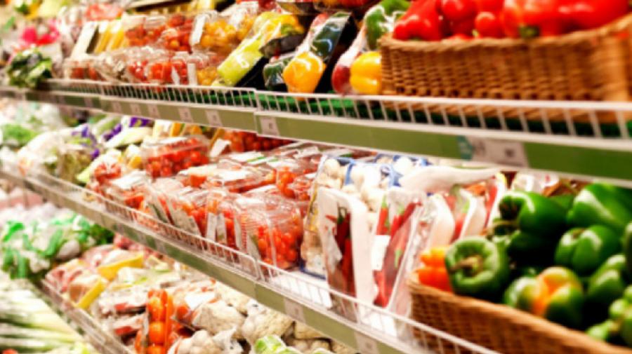 Moldovenii au scos mai mult din buzunare pentru produsele alimentare