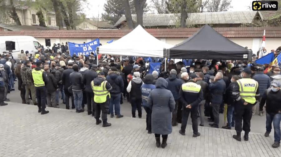 LIVE! Protest la Curtea Constituțională a Republicii Moldova
