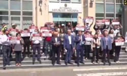 """(VIDEO) """"Avem nevoie de Calea Ferată, nu de Calea furată!"""" Platforma """"DA"""" protestează la Guvern"""