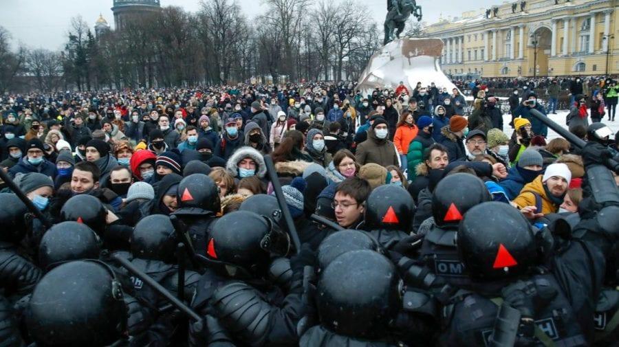 Rușii pregătesc proteste masive în sprijinul lui Navalnîi chiar în ziua discursului anual al lui Putin