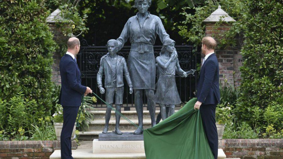 Prinții William și Harry – reuniți la inaugurarea monumentului prințesei Diana