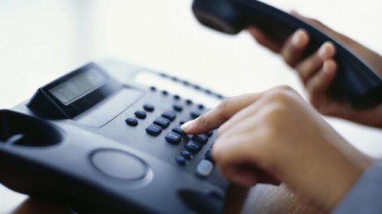 Moldovenii folosesc tot mai puțin telefonia fixă