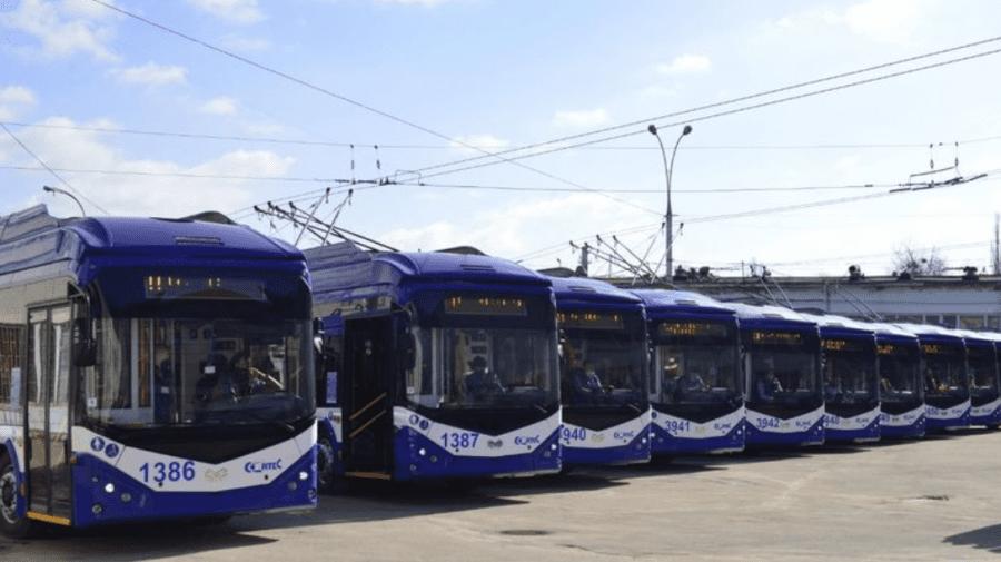 (FOTO) Veste bună pentru locuitorii Capitalei! 10 troleibuze noi au fost scoase astăzi la linie