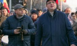Perlele campaniei electorale: Năstase – Baltika zero, Usatîi – interlop cu pofte