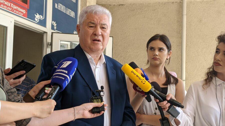 """VIDEO Și-a dat votul! Voronin: Dacă ne ocupăm de politică în primul rând trebuie să ne gândim la """"narod"""""""