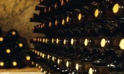 Vinurile moldovenești de calitate vor fi expuse pe rafturile uneia dintre cele mai mari rețele de retail din România