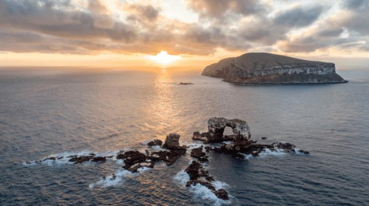 S-a prăbușit Arcul lui Darwin din Insulele Galapagos