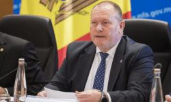 Aureliu Ciocoi: Moldova tot bate pasul pe loc și ca un ucenic handicapat mental care rămâne repetent