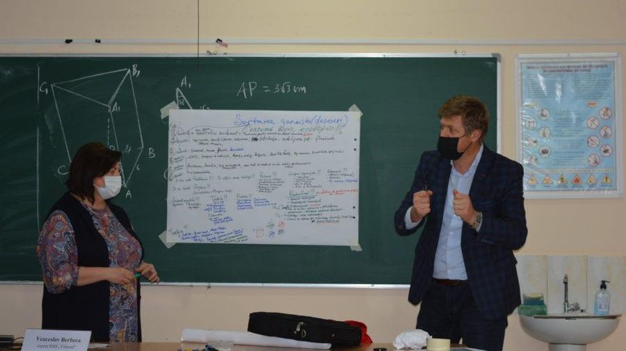 (FOTO) Elevii, profesorii și societatea civilă din Călărași contribuie laîmbunătățirea eficienței energetice
