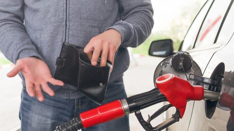 ULTIMA ORĂ! ANRE cere comercianților de carburanți să anuleze ultima majorare până în seara zilei de azi