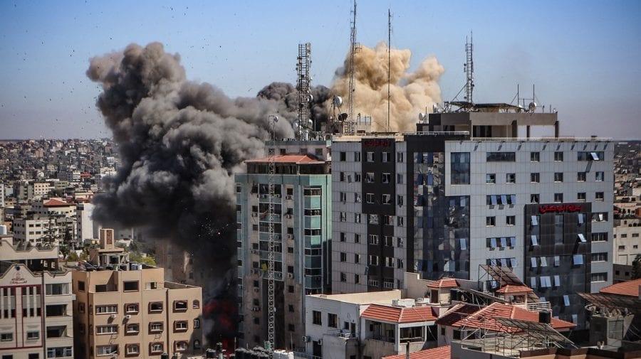 (VIDEO)Transmis în direct cum Israelul distruge cu rachete clădirea unde își are sediul Agenției Associated Press