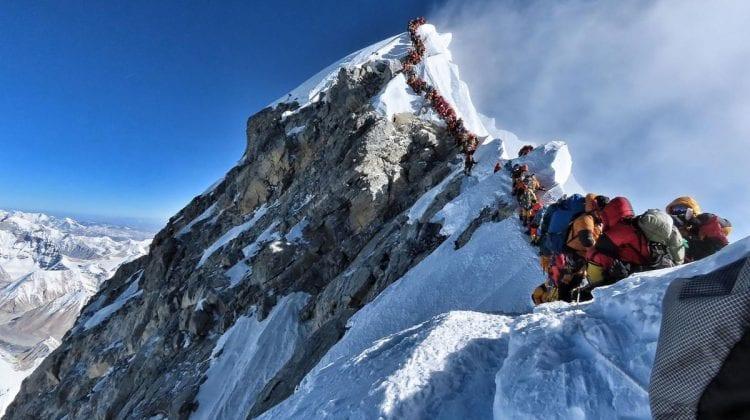 Tragedie pe Everest. Un american şi un elveţian şi-au pierdut viaţa