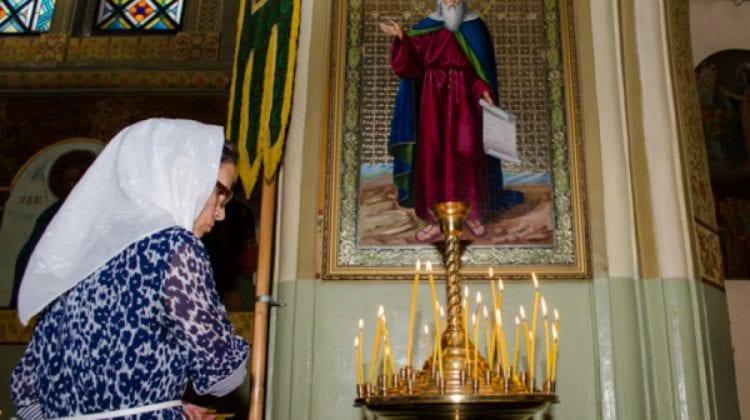 Preotul Ioan Miron îndeamnă să împărțim din bucatele de sărbătoare și cu cei nevoiași