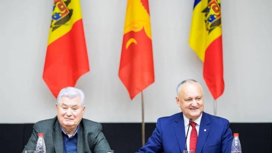 Dodon-schimbătorul. Cât a fost președinte de țară nici pomină de Voronin. Astăzi tocmai îl felicită cu ziua de naștere