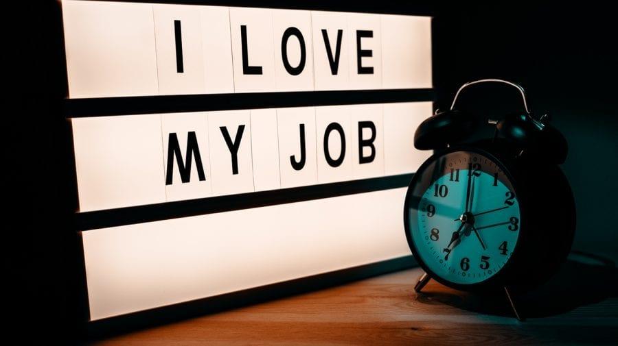 Locul de muncă sau relaţia? TOP job-uri care nu merg mână-n mână cu dragostea
