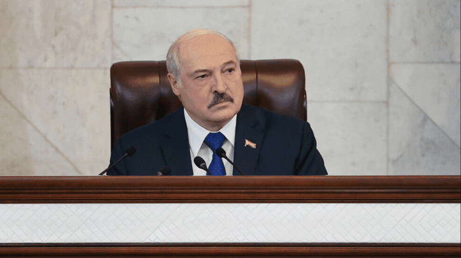 Lukașenko: Nu vă place să zburați prin Belarus, zburați acolo unde au fost uciși 300 de oameni