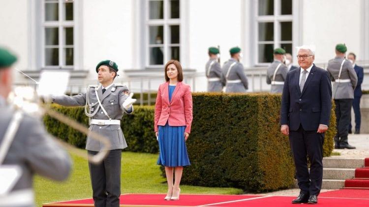 (VIDEO) Detalii nevăzute de la primirea Maiei Sandu la Palatul Bellevue, Berlin. Mașina cu care a fost adusă președinta