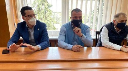 Răzvan Burleanu, membru al Consiliului FIFA, în vizită în Moldova. Efectuează un tur prin țara noastră