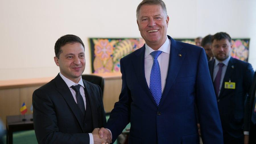 Discuție Iohannis – Zelenski: România va susține Ucraina privind integritatea și îi va dona vaccinuri