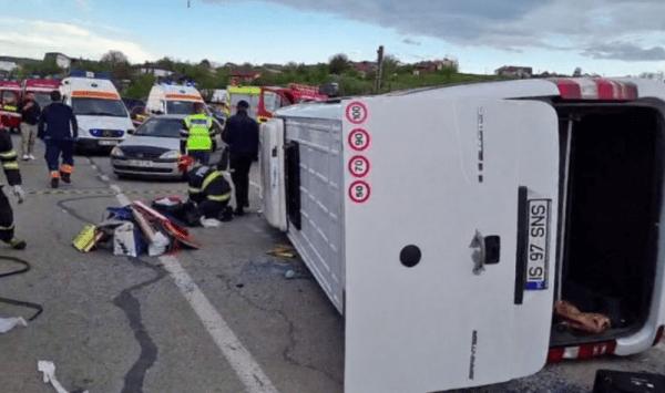 (VIDEO 18+) Accident grav lângă Iași! Printre răniți, tineri din Republica Moldova