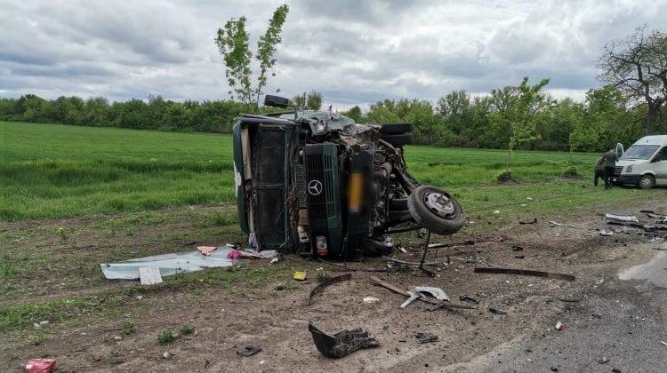 (FOTO, VIDEO) Accident groaznic la Bălți. Opt persoane transportate de urgență la spital