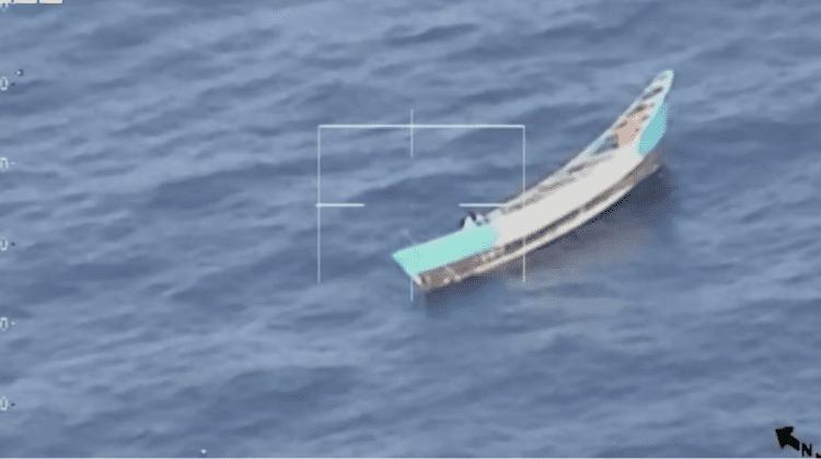 Trei săptămâni fără mâncare. Zece migranți au murit pe o navă care plutea în derivă în Atlantic. O fată a fost salvată