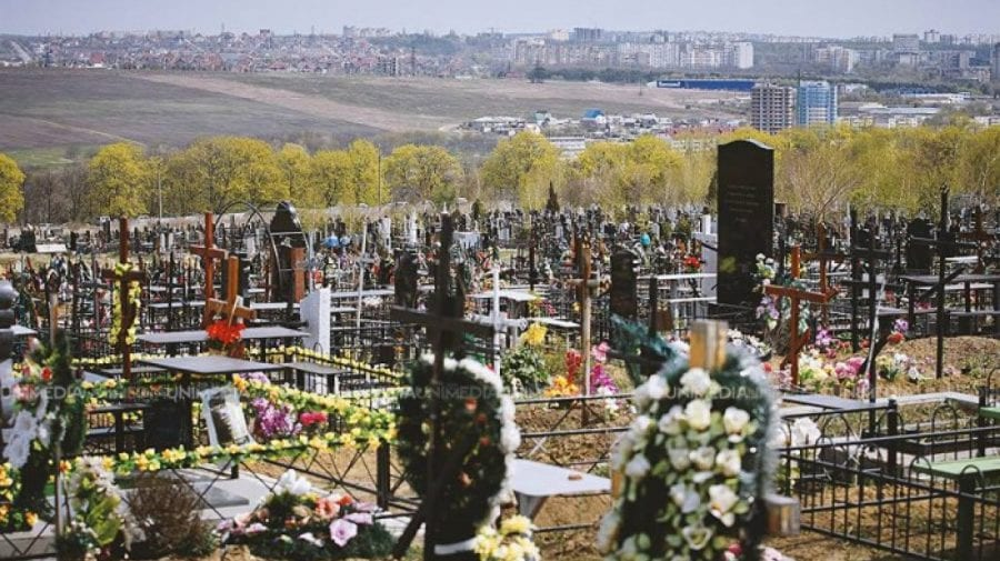 De Paștele Blajinilor, accesul în cimitirele din Edineț, permis! Decizia autorităților locale