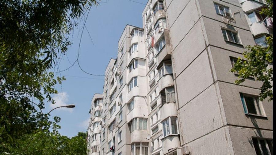 ȘOCANT! Un pensionar a ajuns la spital după ce a căzut la pământ de la etajul cinci