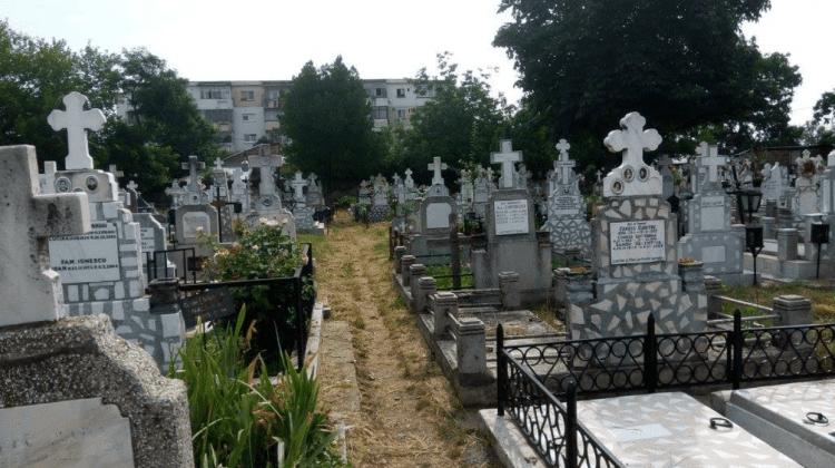 Decis! Interzis în cimitirele din raionul Hîncești de Blajini