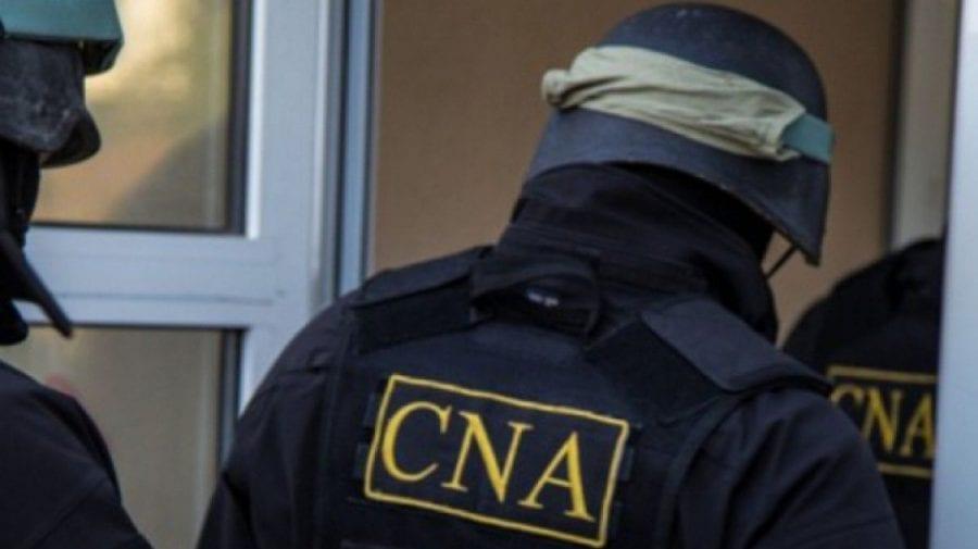 ULTIMĂ ORĂ! Ofițerii CNA au descins pe 10 adrese din Capitală într-un dosar de corupție