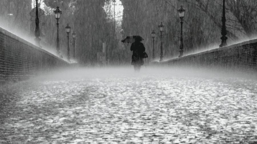 Vine furtuna peste Moldova! Meteorologii anunță ploi însoțite de descărcări electrice până la noapte