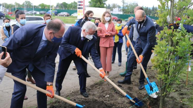 (FOTO) O nouă alee în Capitală! Aceasta se află în sectorul Botanica și a fost inaugurată în cinstea ONU