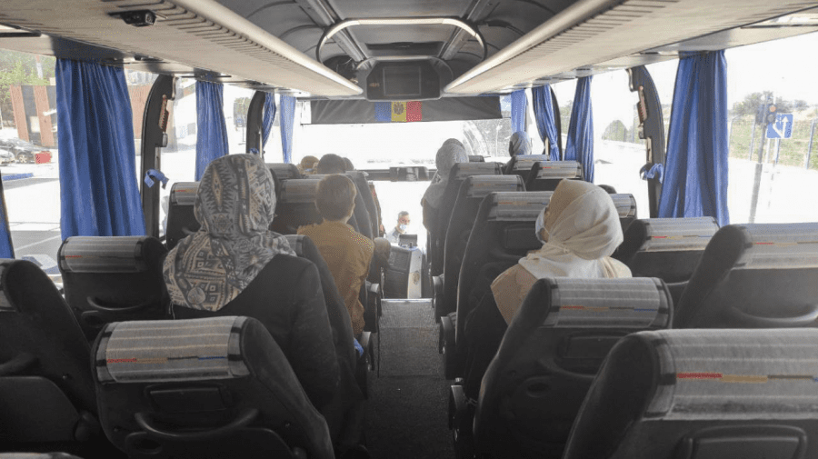 (FOTO) Moldovenii repatriați din Fâșia Gaza, au ajuns în țară