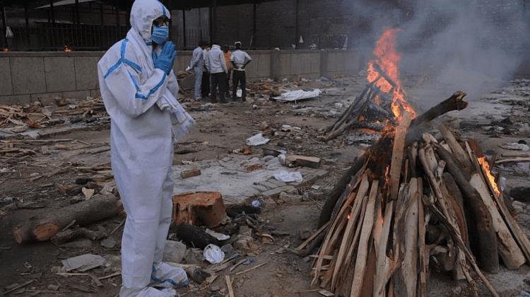 Un nou anti-record cauzat de COVID-19 în India! Încă 4 205 de decese înregistrate în ultimele 24 de ore