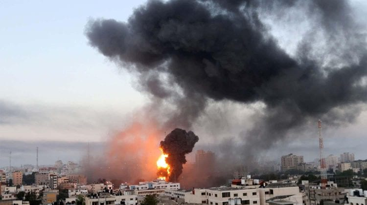 Teroare între Israel și Palestina. 65 de morți, printre care și 16 copii