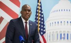Ambasadorul SUA, Dereck Hogan – decorat cu Ordinul de Onoare de către Maia Sandu