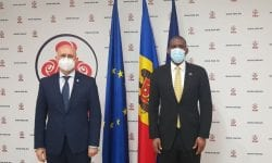 Hogan în vizită la PDM. Ce promisiune i-a făcut Pavel Filip ambasadorului SUA în Moldova