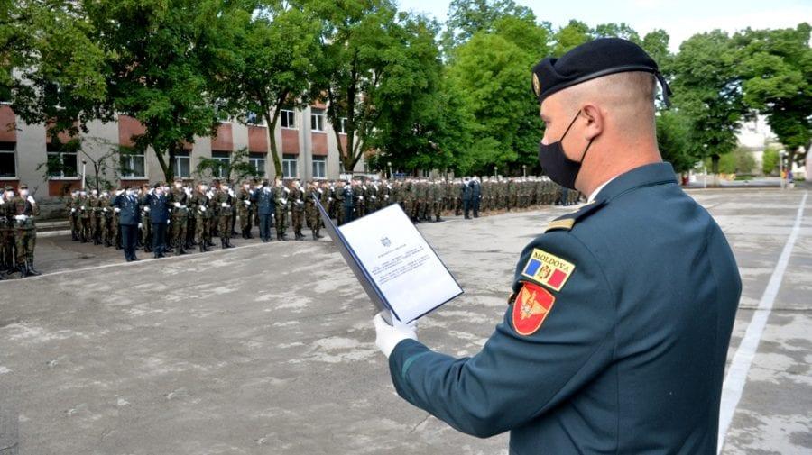 (FOTO) Au jurat credință Patriei! 450 de soldați încorporați în Armata Națională au depus jurământul militar