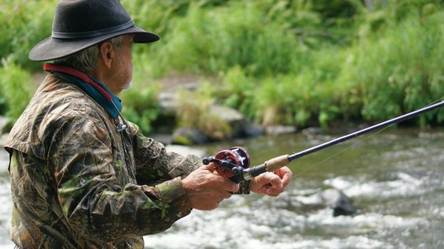 """Trei moldoveni """"și-au pescuit câte o amendă""""! Aceștia au fost prinși la pescuit pe lacul Beleu"""