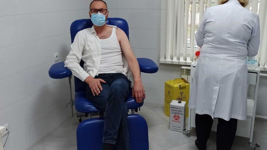 A urmat îndemnul fostei colege de partid. Sergiu Litvinenco s-a vaccinat anti-COVID