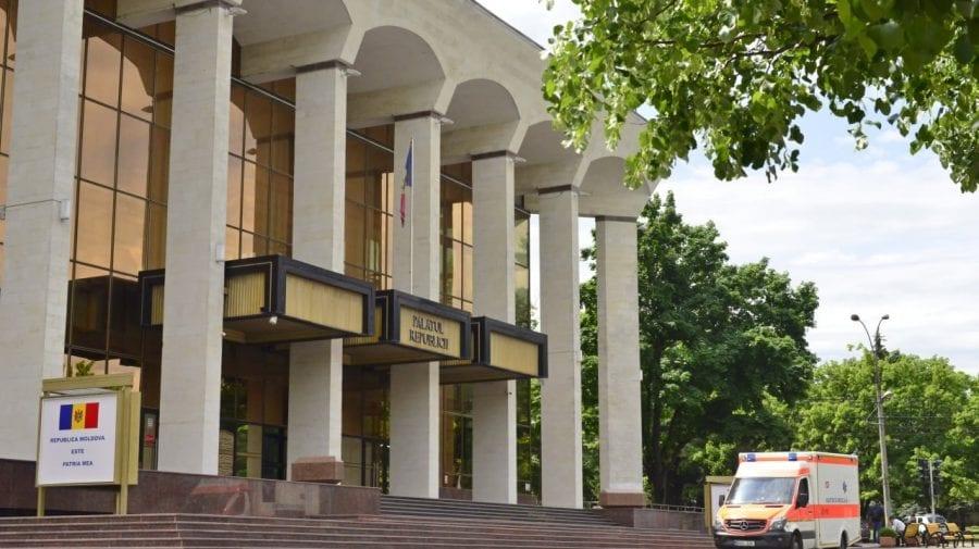 (FOTO) Pregătirile sunt în toi la Palatul Republicii! Moldovenii vor fi imunizați anti-COVID începând cu ora 09:00