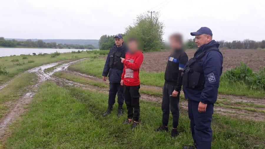 (FOTO) Trei minori au pus pe jar 10 echipaje de intervenție. Unul este din Ucraina