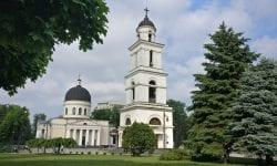 Mitropolia Moldovei oferă GRATIS serul salvator! De unde a primit Sputnik V și cine este eligibil?