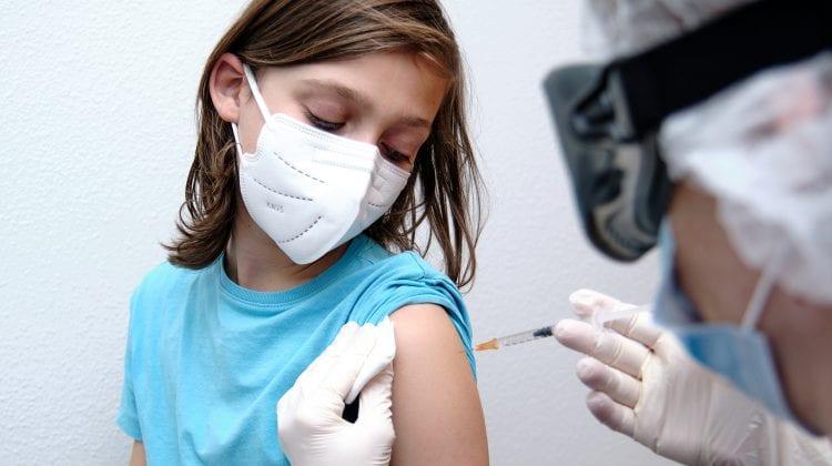Moderna anunţă că vaccinul său anti-COVID-19 este eficient pentru copii