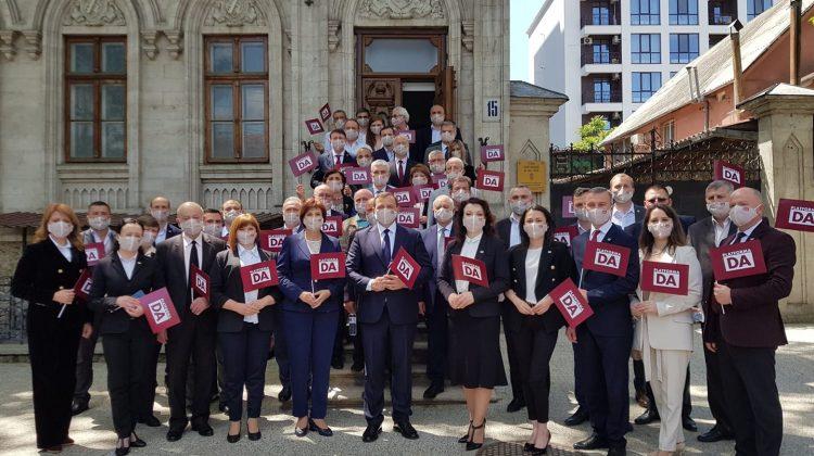 """(DOC) Lista Platformei """"DA"""", aprobată de CEC, pentru alegerile parlamentare anticipate"""