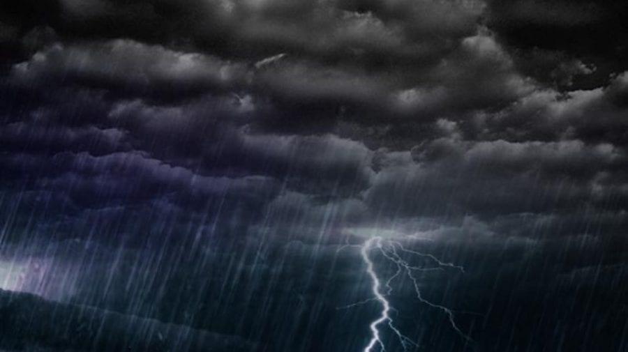 Ploile nu contenesc! Meteorologii au emis un nou Cod Galben de ploi cu descărcări electrice și vijelie