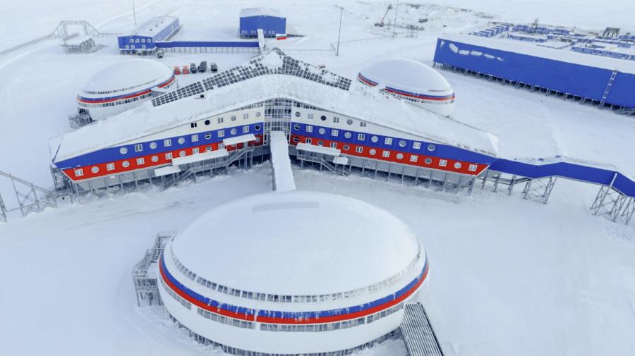 """(FOTO) """"Inamicul nu va trece""""! Rusia prezintă baza militară de la polul nord unde se pregătește să lupte împotriva NATO"""